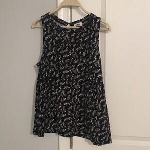 Black women's tank top with leaf detail